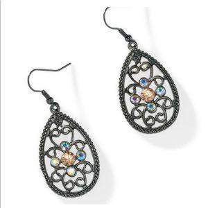 Encore pierced earrings